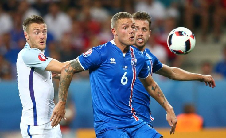 Sigurosson proves vital in Iceland win
