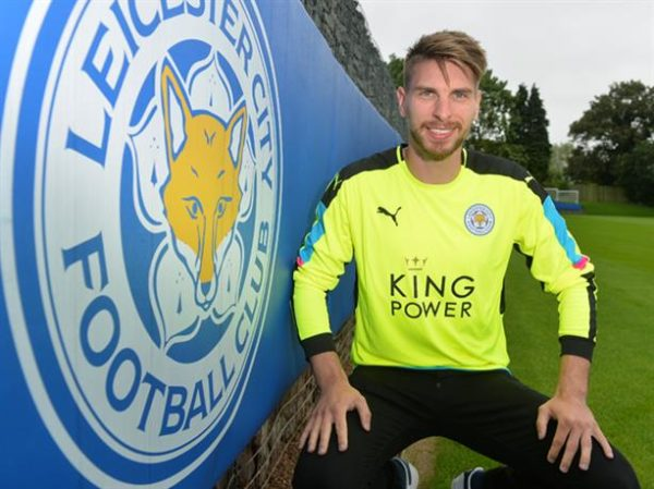 Leicester sign Hannover's Zieler