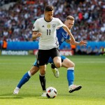Draxler to remain at Wolfsburg - Allofs