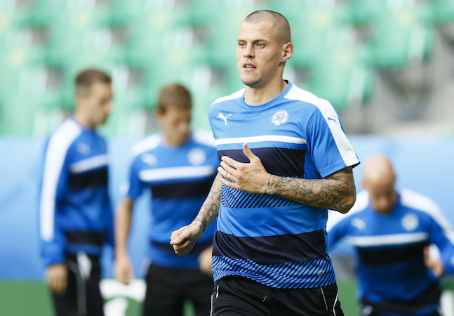 Skrtel leaves Reds for Fenerbahce