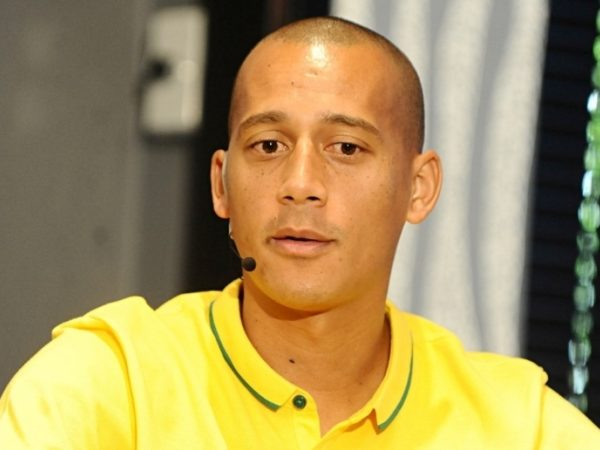 Pirates keen on Arendse