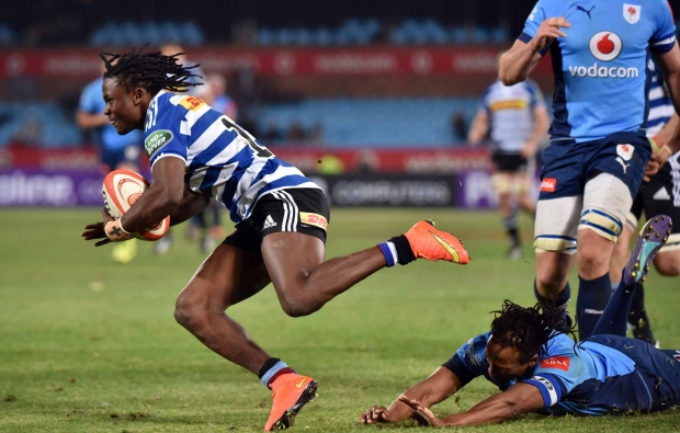 Seabelo Senatla scores a try for WP