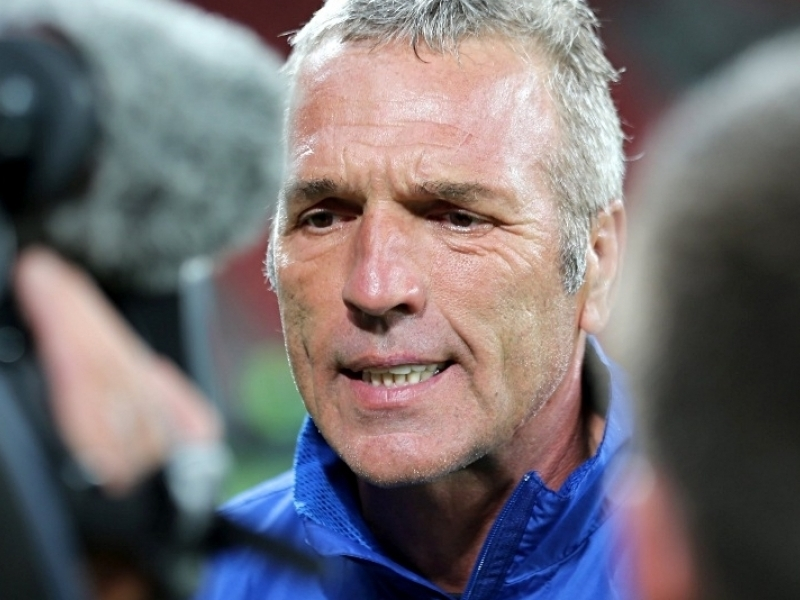 Middendorp unhappy with selfish play