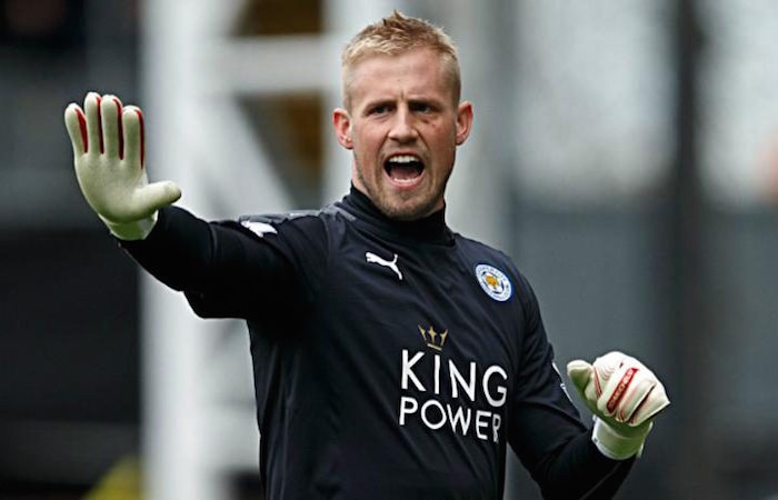 Leicester to assess Schmeichel's fitness