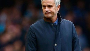 Mourinho-in-the-dark-on-United-switch-e1464080819294