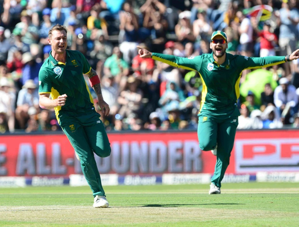 Faf century helps Proteas thump Aussies