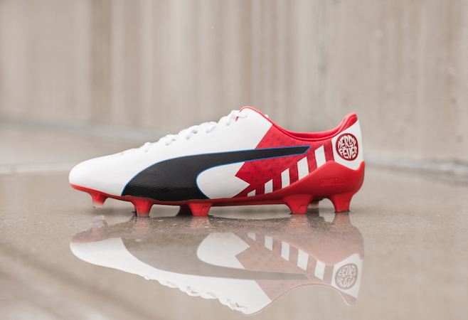 5e67fbc42a6 Griezmann handed new boots for derby day · Antoine Griezmann gets new boots
