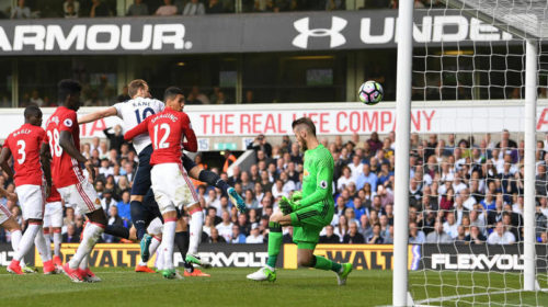 Harry Kane scores Spurs second against United