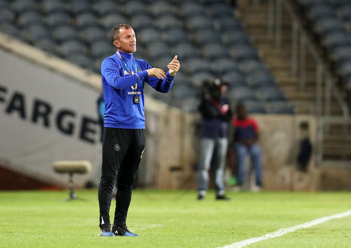 Pirates coach Micho