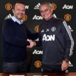 Mourinho signs United contract extension