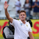 Morne Morkel waves to the Newlands fans