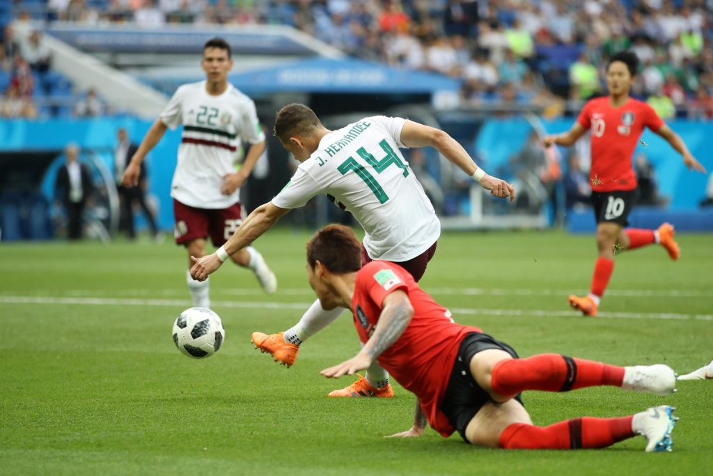 Mexico edge closer to WC last 16