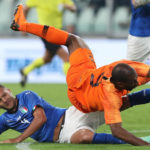 Netherlands net late equaliser against Italy