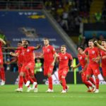 England beat Colombia on penalties to advance