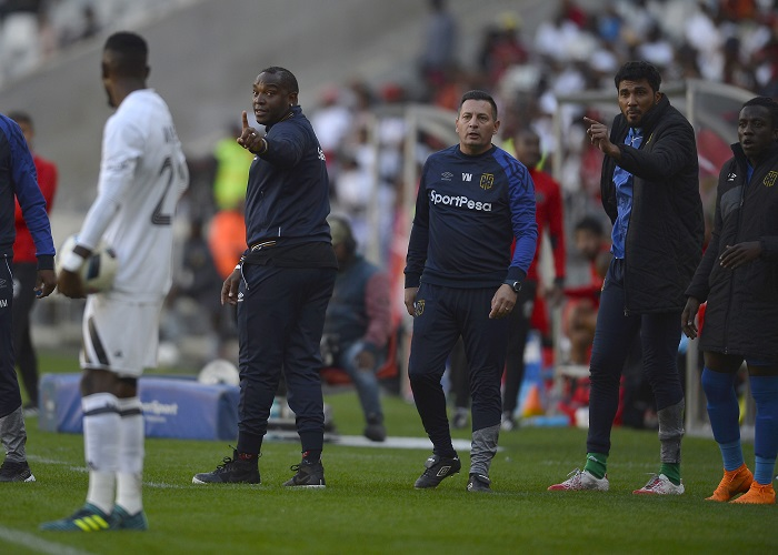 Fielies heaps praise on Benni