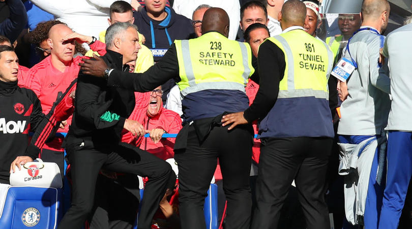 Mourinho accepts apology over touchline row