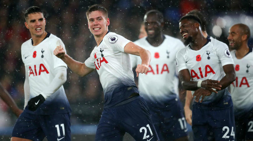 Juan Foyth of Tottenham Hotspur celebrates with his teammates after scoring the winner against Crystal Palace
