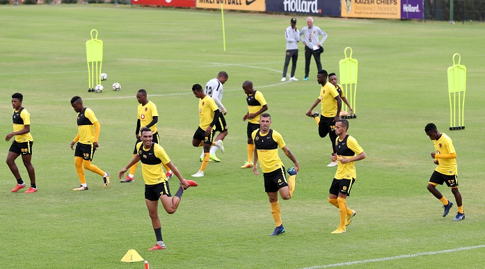 Ernst Middendorp taking a training session at Kaizer Chiefs